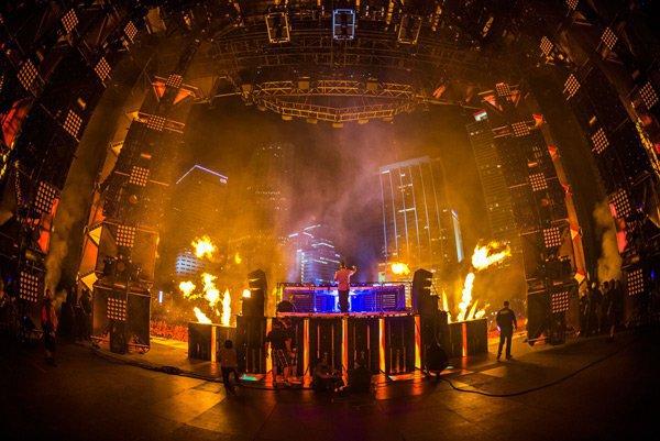 Kaskade – Ultra Music Festival 2013 Live Set [Free Download]