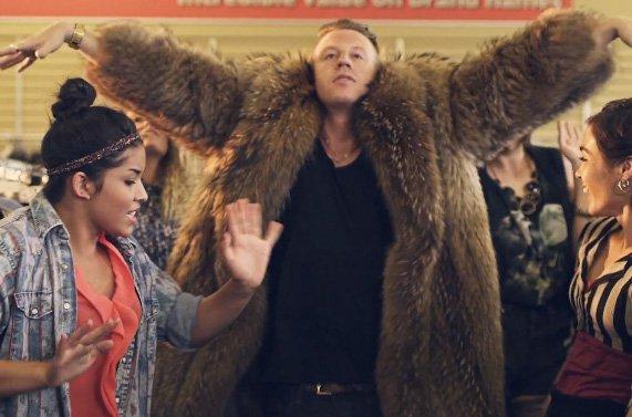 Macklemore & Ryan Lewis - Thrift Shop (Ft. Wanz) (Official Music Video)