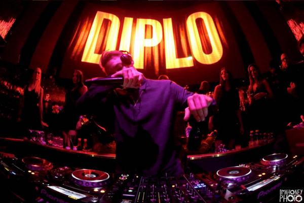 Migos - Look At My Dab (Diplo & Bad Royale Remix) : Huge Trap Remix [Free Download]