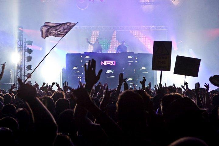 Nero - Must Be The Feeling (Delta Heavy Remix) : New Electro / Moombathon BANGER Remix