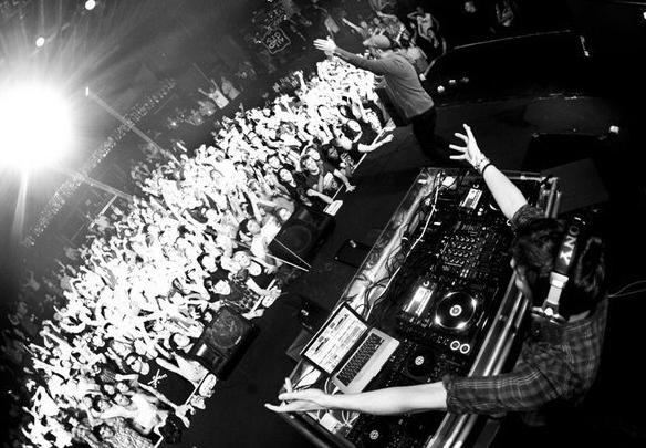 Porter Robinson - Say My Name: EXCLUSIVE DUBSTEP/ELECTRO BANGER + Snow Ball Pre-Party