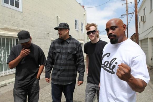 Jay-Z & Kanye West - Who Gon Stop Me (Ft. Flux Pavillion) : Must Hear New Hip-Hop / Dubstep BANGER