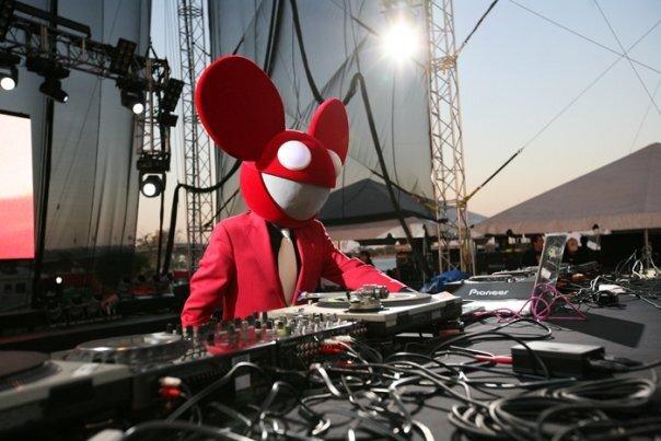 Sick Chill Dancey Electronic Song: Deadmau5 - Strobe (Club edit)