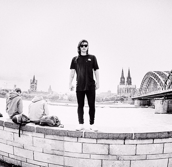 "Skrillex Creates Playlist Of His Favorite Tracks ""Skrillex Selects"""