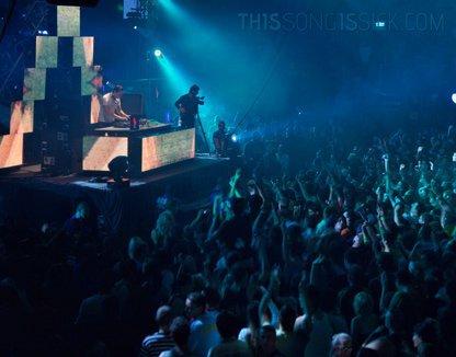 Tiesto - Maximal Crazy : Massive New Electro House Anthem