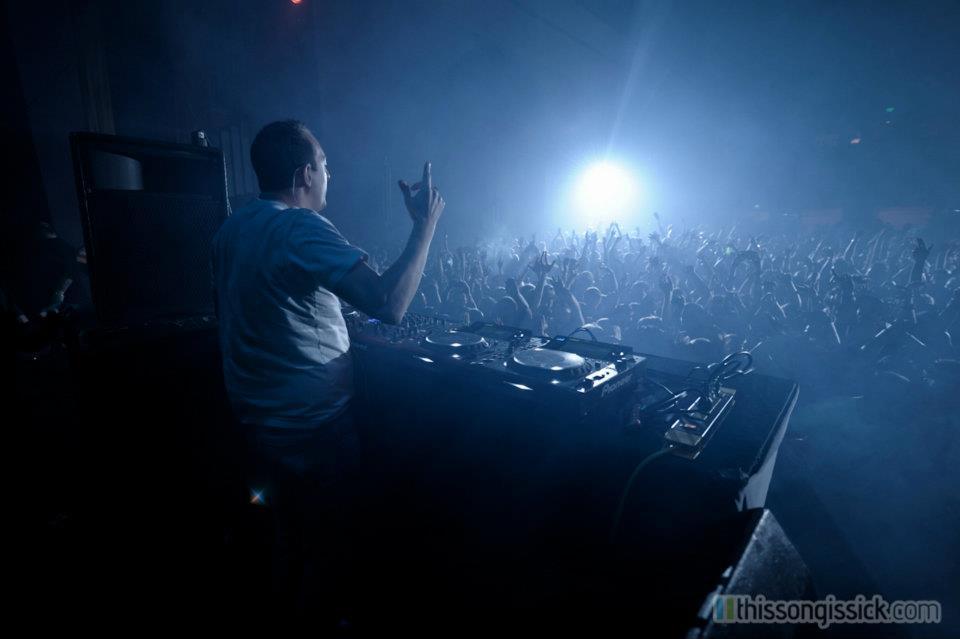 Wolfgang Gartner - The Champ (Bassex Remix) : Heavy Dubstep Remix