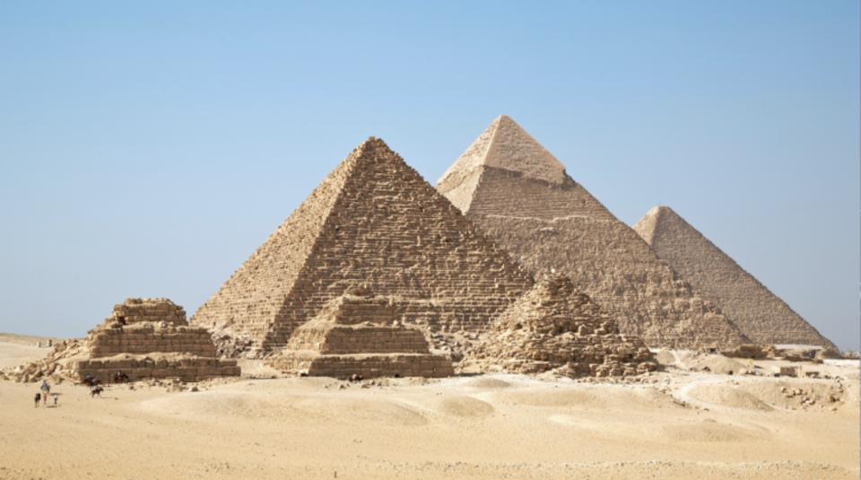cercle pyramids